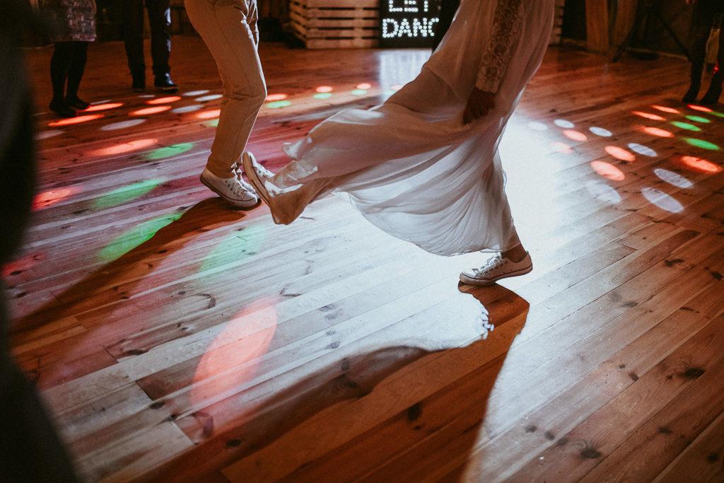 pierwszy taniec wesele plenerowe w stodole mazury nowe kawkowo pytlikbak fotografia