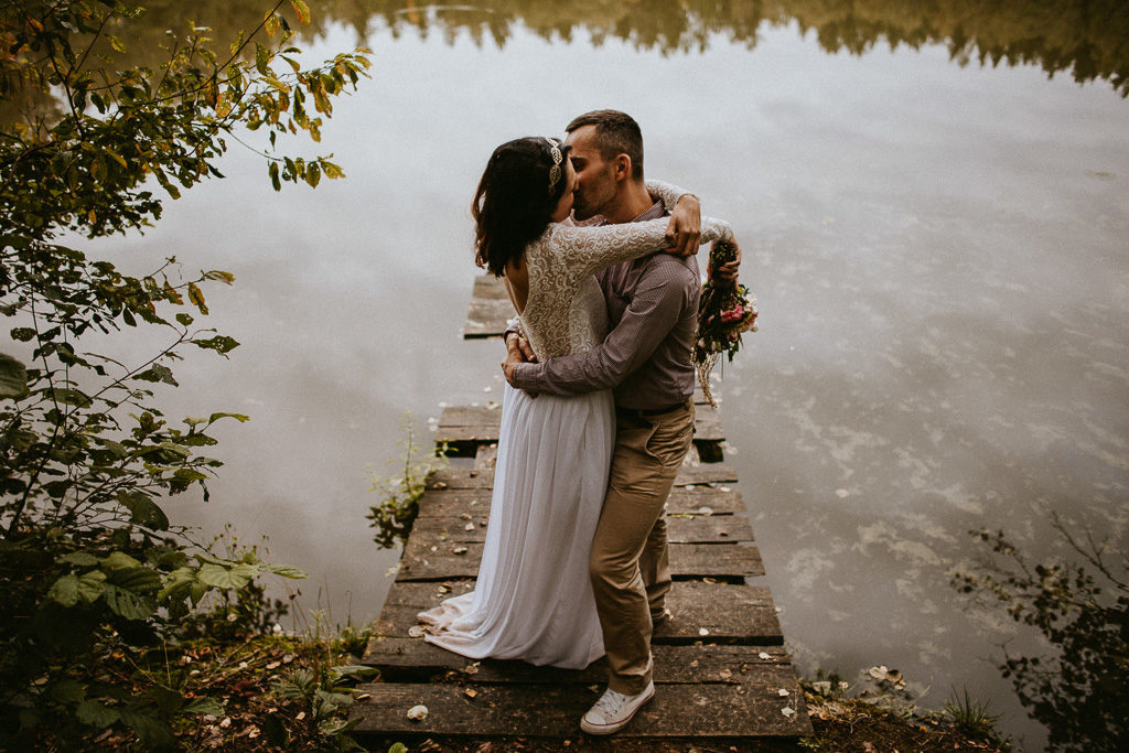 Sesja plenerowa w naturze nowe kawkowo mazury pytlikbak fotografia do ślubu w converse