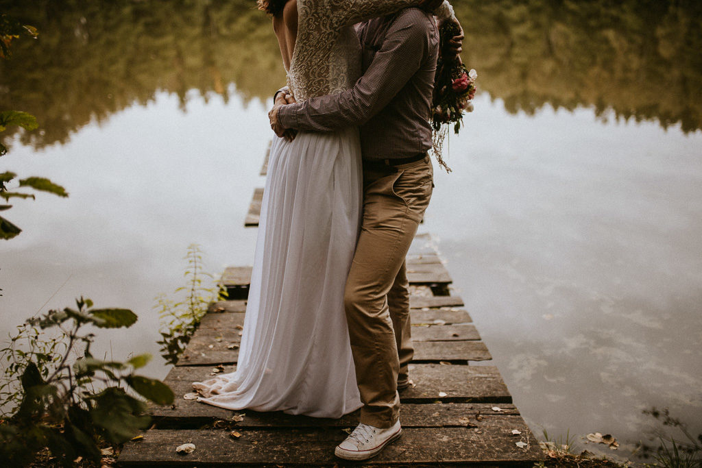 Sesja plenerowa w naturze nowe kawkowo mazury pytlikbak fotografia do ślubu w conversach