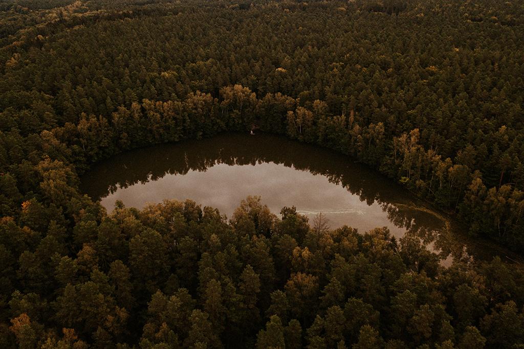 nowe kawkowo mazury z drona z powietrza jezioro