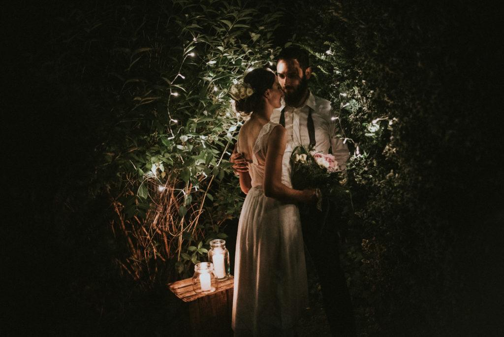 wesele w ogrodzie wesele DIY światełka lampki girlandy