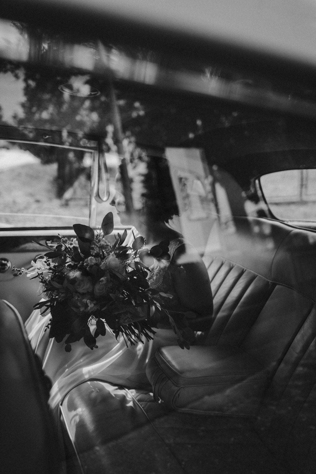 Pani młoda bukiet rolls royce ślub Dolina Cedronu pytlikbak