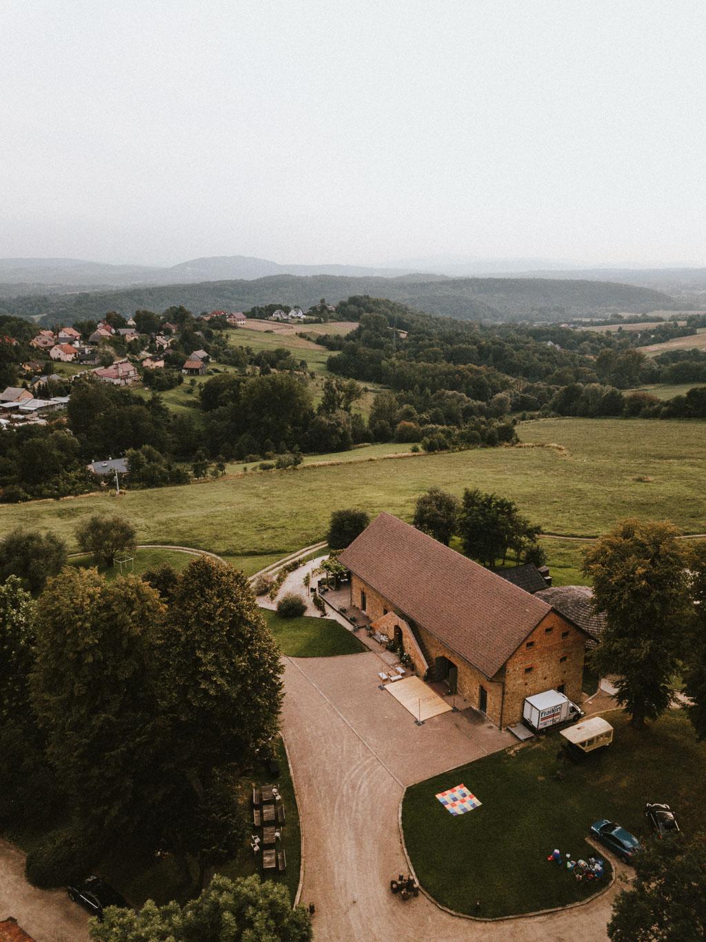 Ślub w Dolinie Cedronu gospoda z Drona Kraków Leńcze pytlikbak