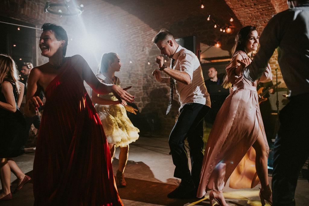 zabawa taniec chill relax Ślub w Dolinie Cedronu Kraków Leńcze pytlikbak