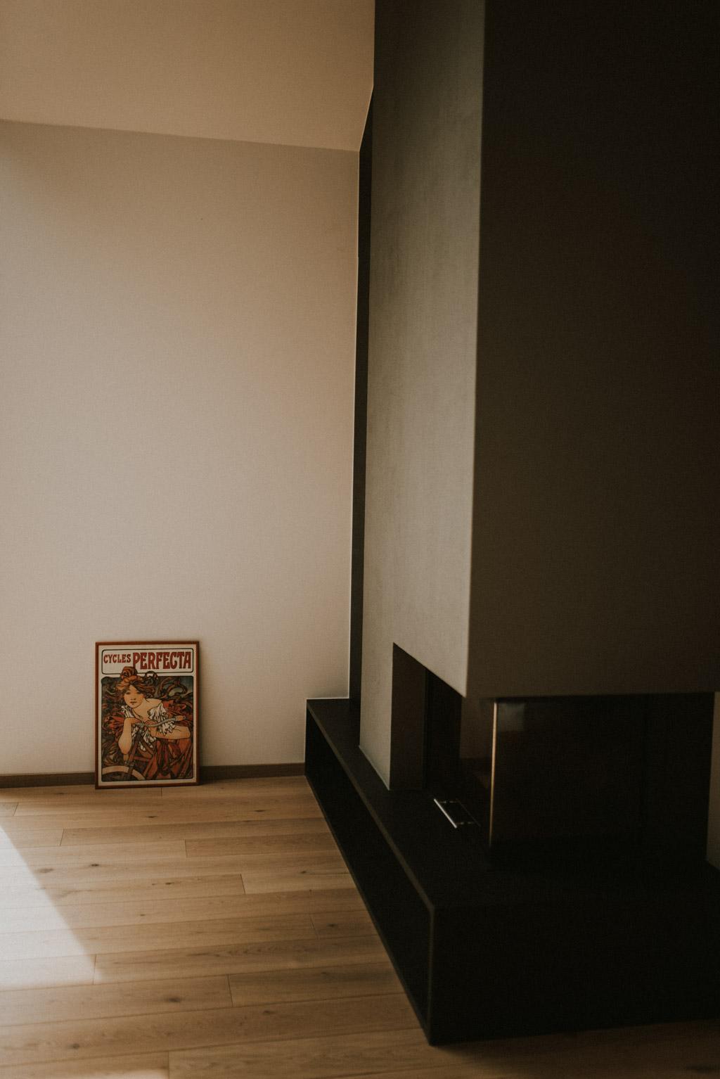 kominek w nowoczesnym domu