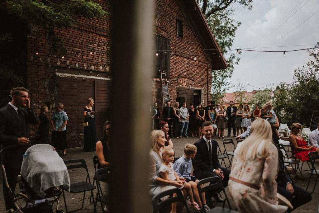 goście na weselu plenerowym kotulińskiego 6 k6 ceremonia