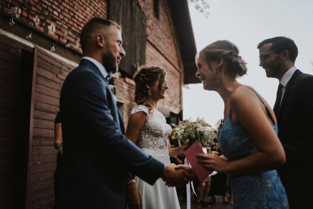 Życzenia ślubne w plenerze