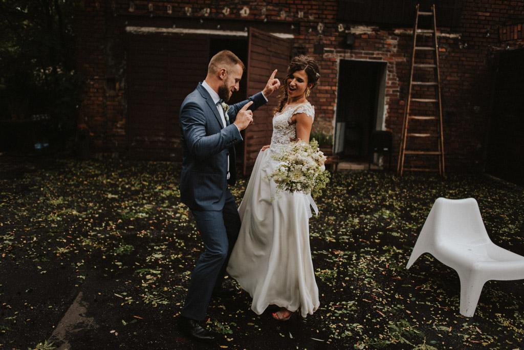 taniec pary młodej na weselu plenerowym pytlik bak