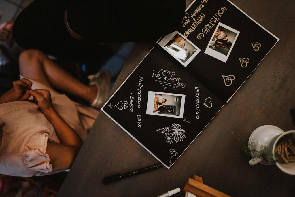księga gości na wesele z instaxami