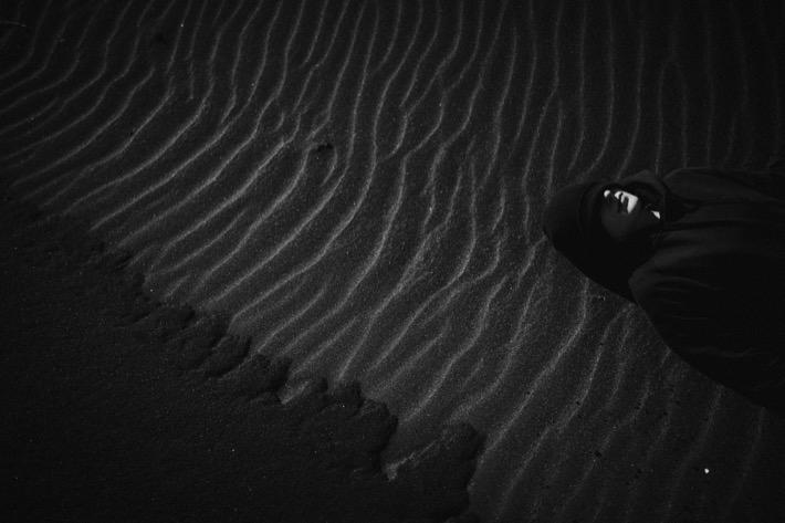 Stokksnes pytlikbak april Aneta Wieczorek black sand