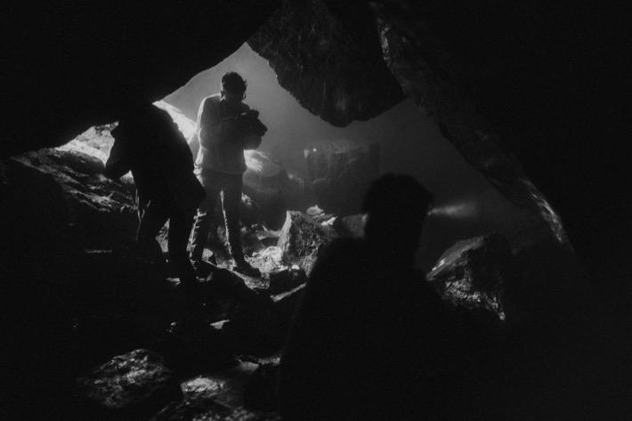 Grjótagjá Cave pytlik bak