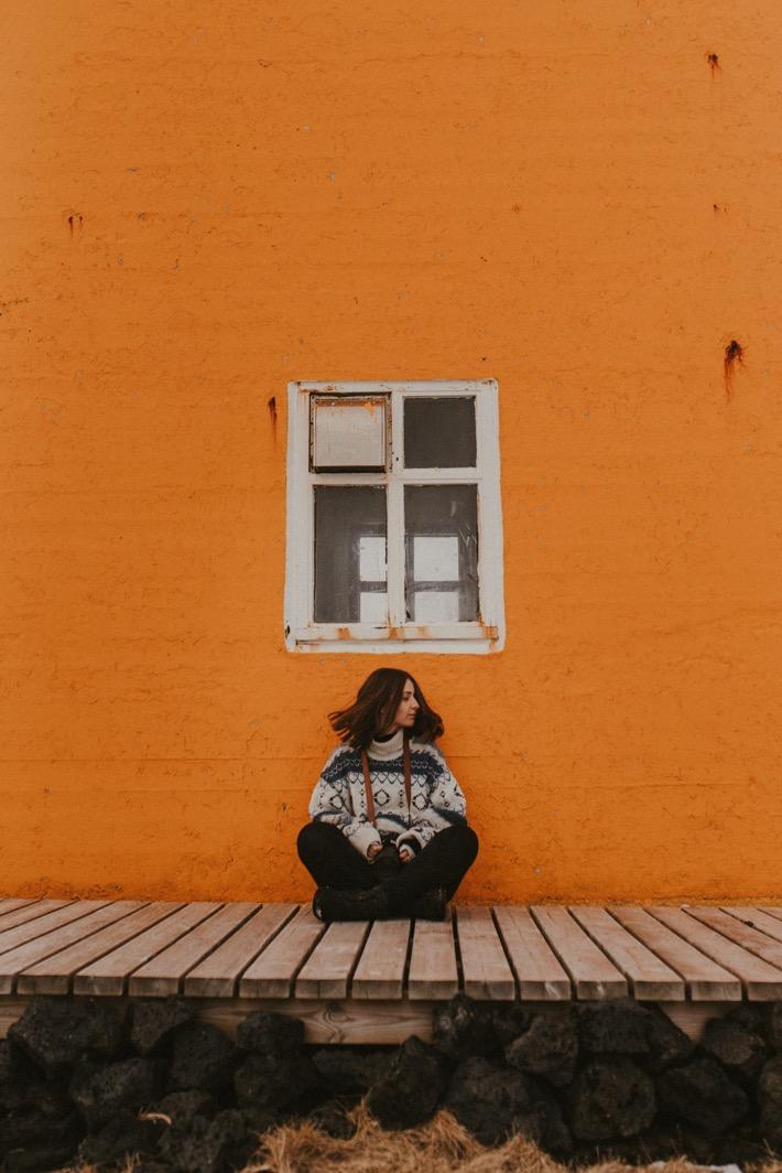 Marta Bak Fotograf Islandia Svörtuloft pomarańczowa latarnia islandia