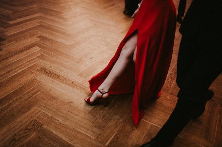 Zdjęcia na studniówkach fotograf studniówka bielsko biała katowice czechowice Żywiec Oświęcim czerwona sukienka Pytlikbak