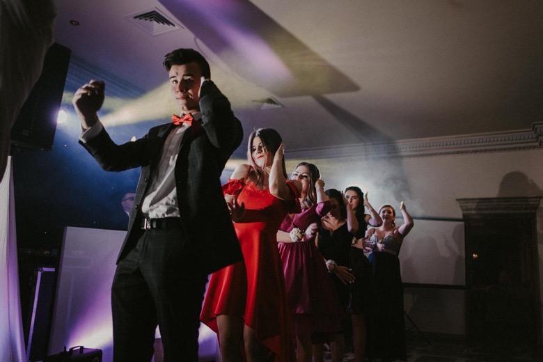 Zdjęcia na studniówkach fotograf studniówka bielsko biała katowice czechowice Żywiec Oświęcim taniec macarena Pytlikbak