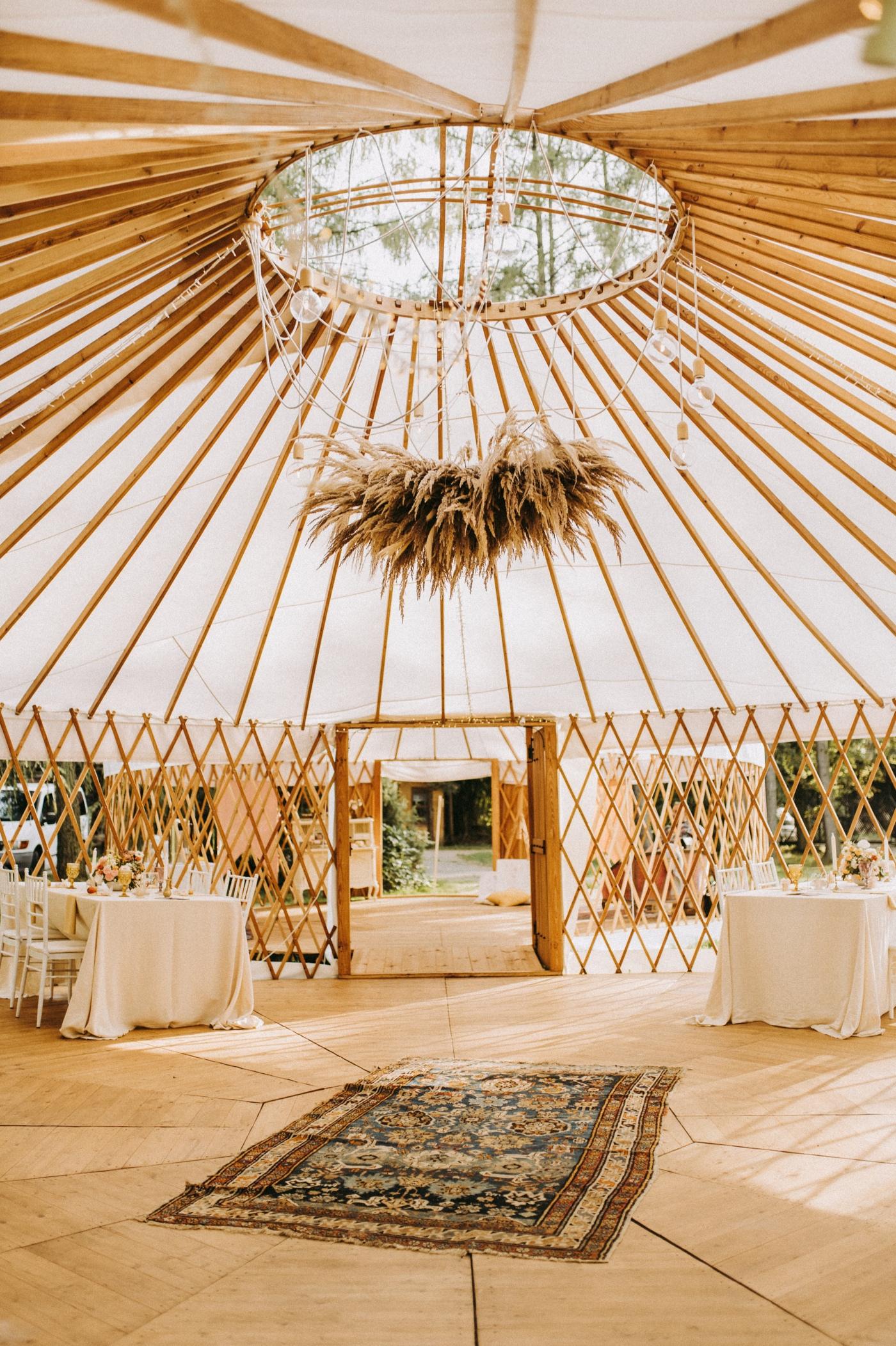 jurty ślub w plenerze nietypowe miejsce na wesele pod namiotami kraków